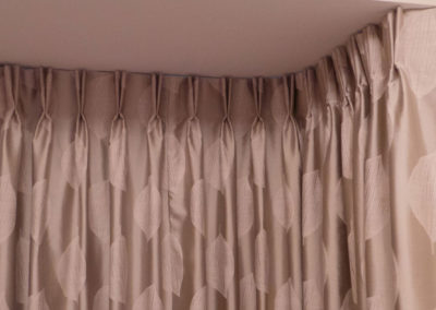 curtains_blinds_banstead_bay-pinch