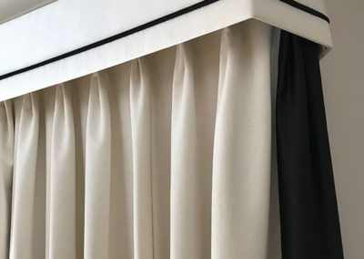 curtains_blinds_banstead_bordered-edge