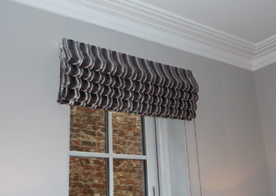 curtains_blinds_banstead_frou-roman