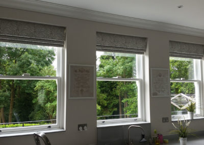 curtains_blinds_banstead_roman--whinnie